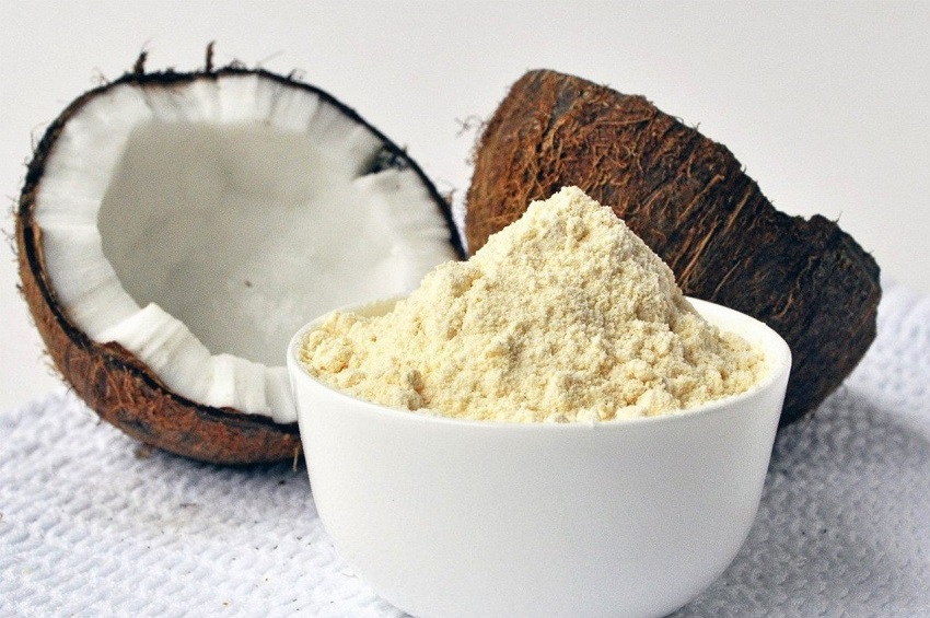 Properties of coconut flour (and how to make it yourself)